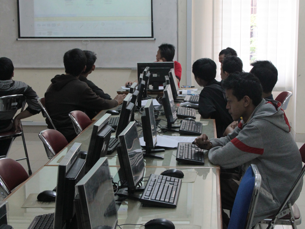 Pelatihan Programming dan Networking